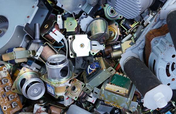 押手商店が収集した産業廃棄物の写真